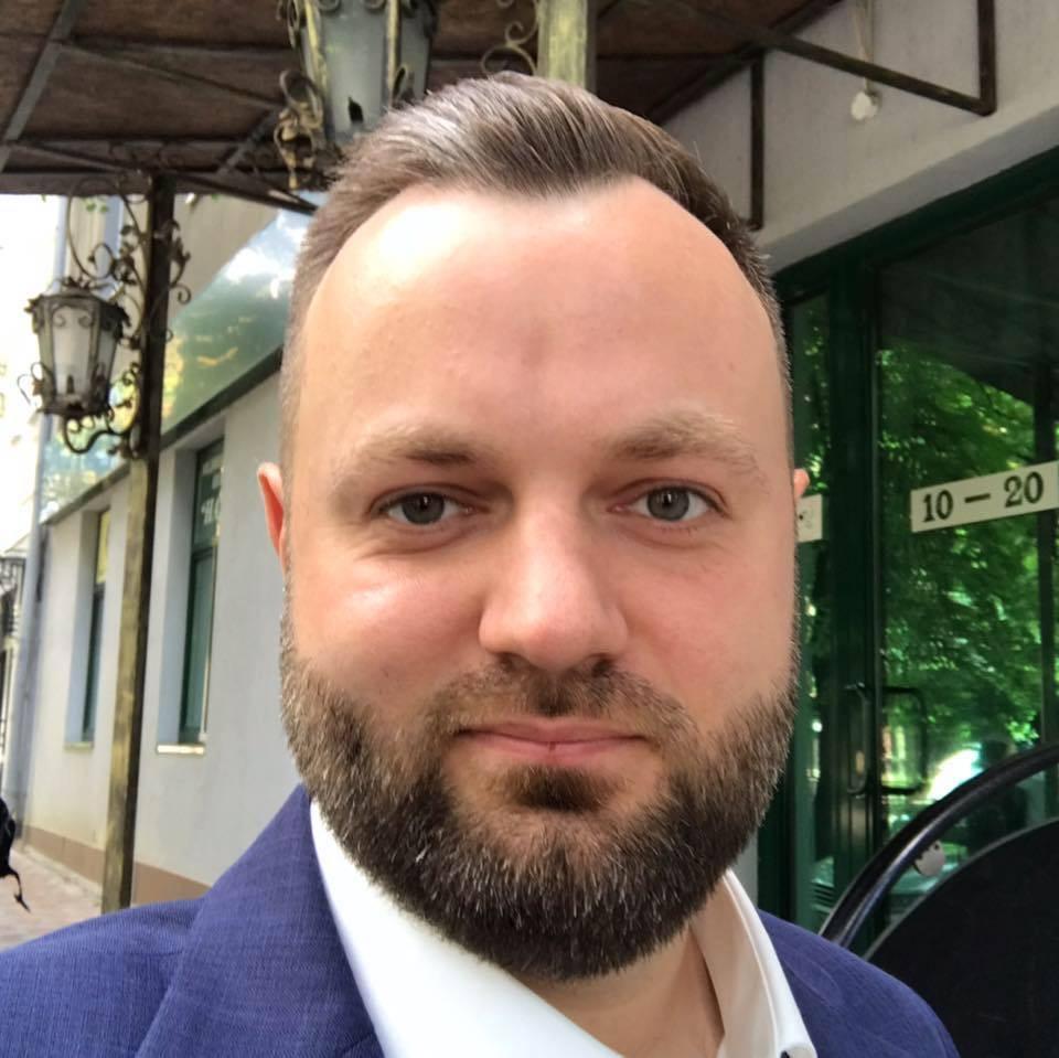 Володимир Обрiзан